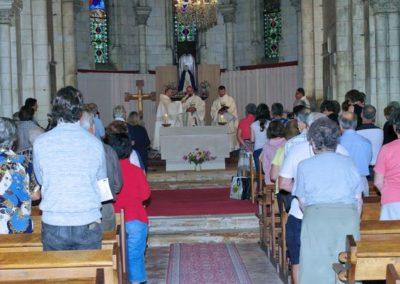 Eucharistie dans la chapelle