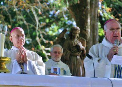L'accueil de Mgr André MARCEAU par Mgr Philippe MOUSSET