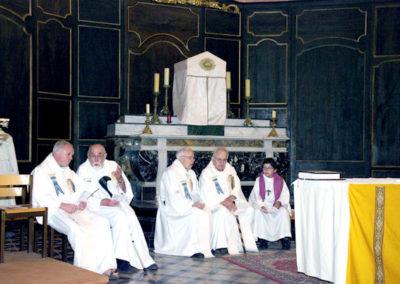 Le clergé autour de Mgr Philippe MOUSSET